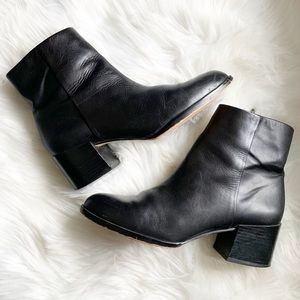 Sam Edelman • Black Leather Bootie • Size 9.5